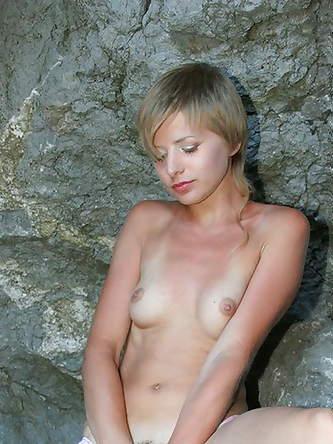 Erotic Pics 18 Pussy Club